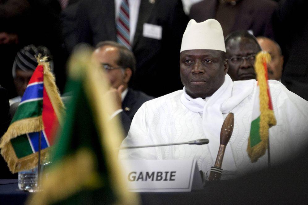 Foto: El presidente de Gambia, Yahya Jammeh, durante una cumbre del Ecowas, en Dakar. (Reuters)