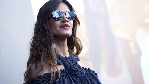 Copiamos en versión low cost el look con el que Sara Carbonero ha vuelto al cole