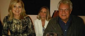 El 'Prisatour' de la editora del Huffington: Jockey y cena con Felipe González en casa de Cebrián