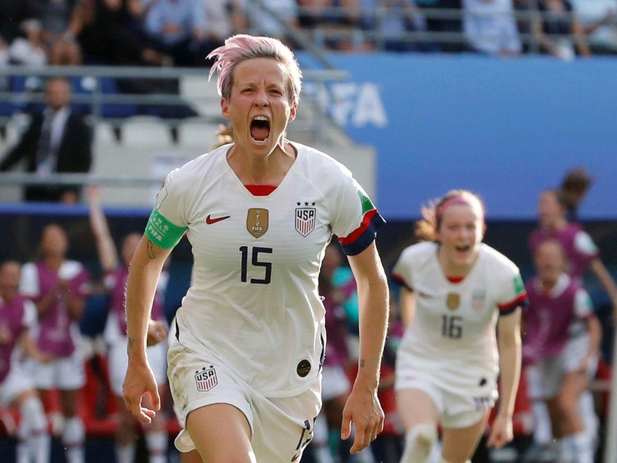 Foto: Megan Rapinoe celebra el gol que le dio a Estados Unidos la victoria contra España en el pasado Mundial de Francia. (Reuters)