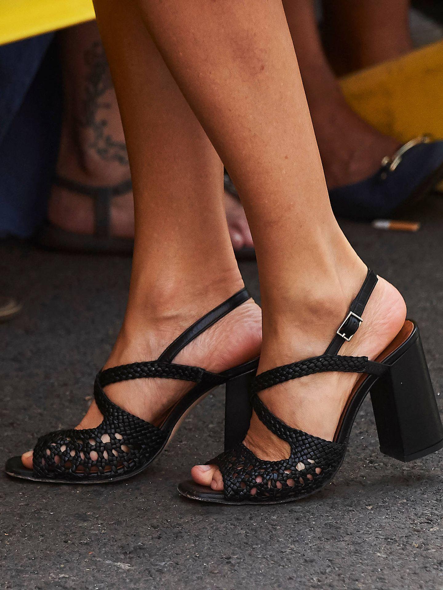 De Naguisa son estas sandalias de la Reina. (LP)