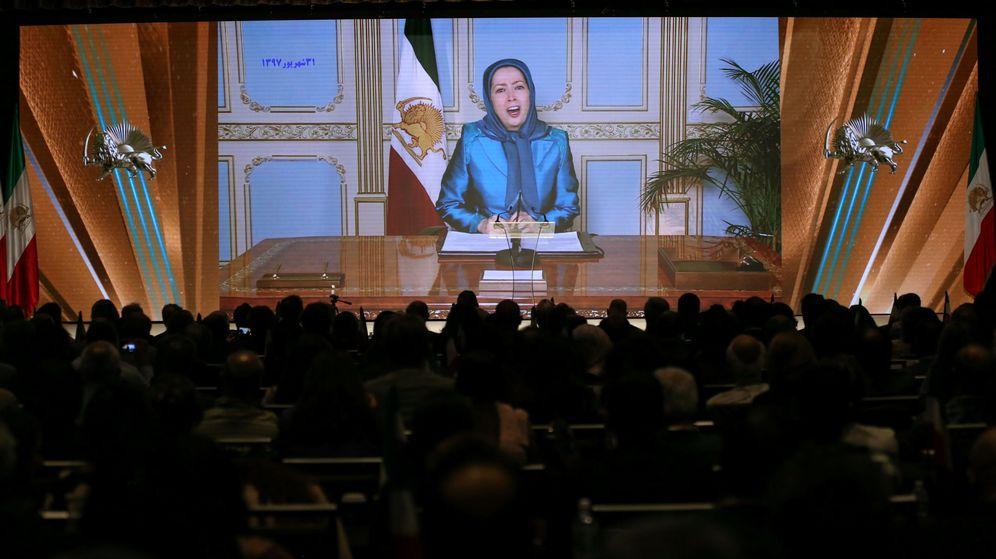 Foto: Maryam Rajavi, presidenta del Consejo Nacional de Resistencia de irán, da un discurso por videoconferencia durante la Cumbre sobre el Levantamiento en Irán en Nueva York, el 22 de septiembre de 2018. (Reuters)