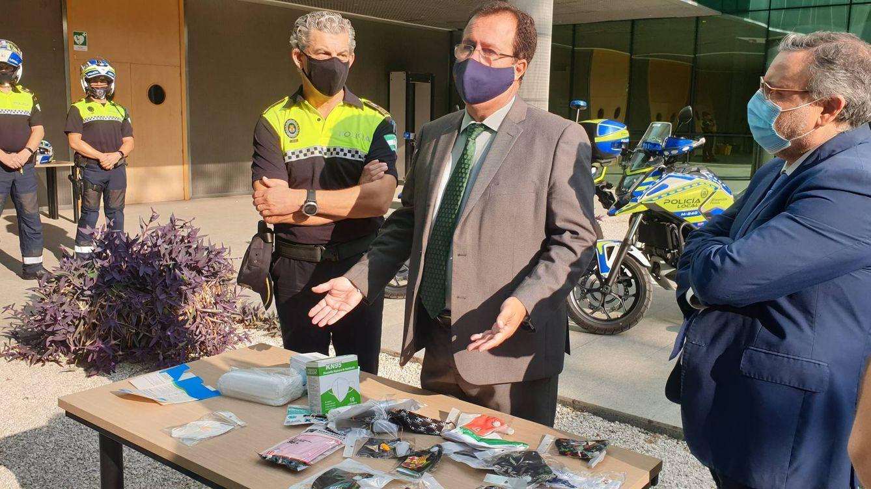 Intervienen en Sevilla 665.000 mascarillas que incumplen la norma y tienen logos falsos