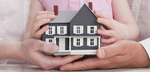 Post de Qué debo hacer para que mi hijo pague menos impuestos cuando herede mi casa