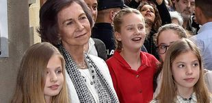 Post de La reina Sofía, guía turística del Palacio Real para Irene Urdangarin y una amiguita