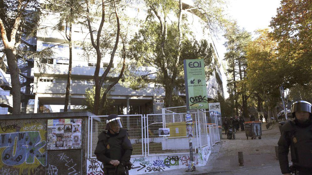 Foto: La Policía Nacional desalojó el pasado noviembre el colegio mayor San Juan Evangelista, conocido como el 'Johnny'. (EFE)