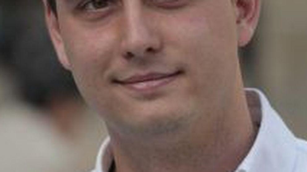 Medina, elegido presidente del PP de Gijón entre gritos de tongo
