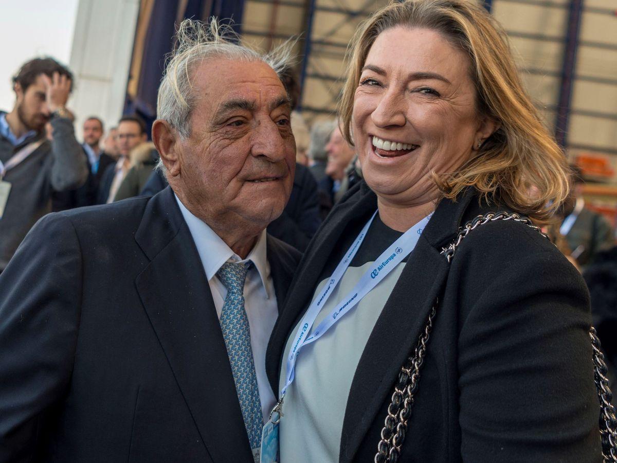Foto: Pepe Hidalgo, con su hija mayor, María José. (EFE)
