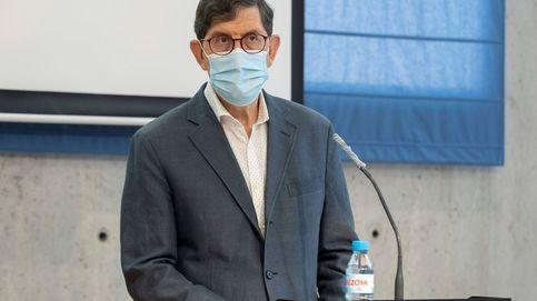 El consejero de Salud de Murcia no dimite tras vacunarse: No ha habido privilegios