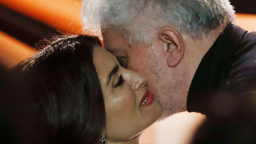 Foto: Pedro Almodóvar y Penélope Cruz en los Goya. (Reuters)