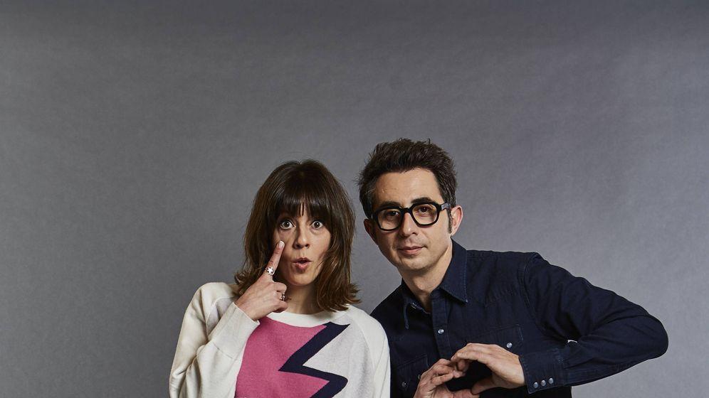 Foto: Berto Romero y Eva Ugarte, protagonistas de 'Mira lo que has hecho'. (Movistar+)