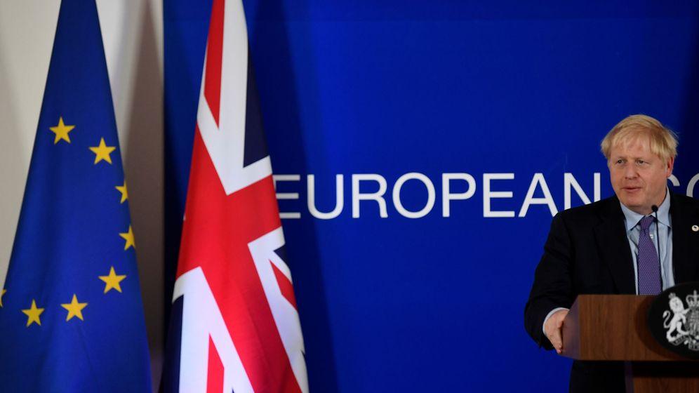 Foto: El 'premier' británico, Boris Johnson, en la rueda de prensa tras el acuerdo en Bruselas. (Reuters)
