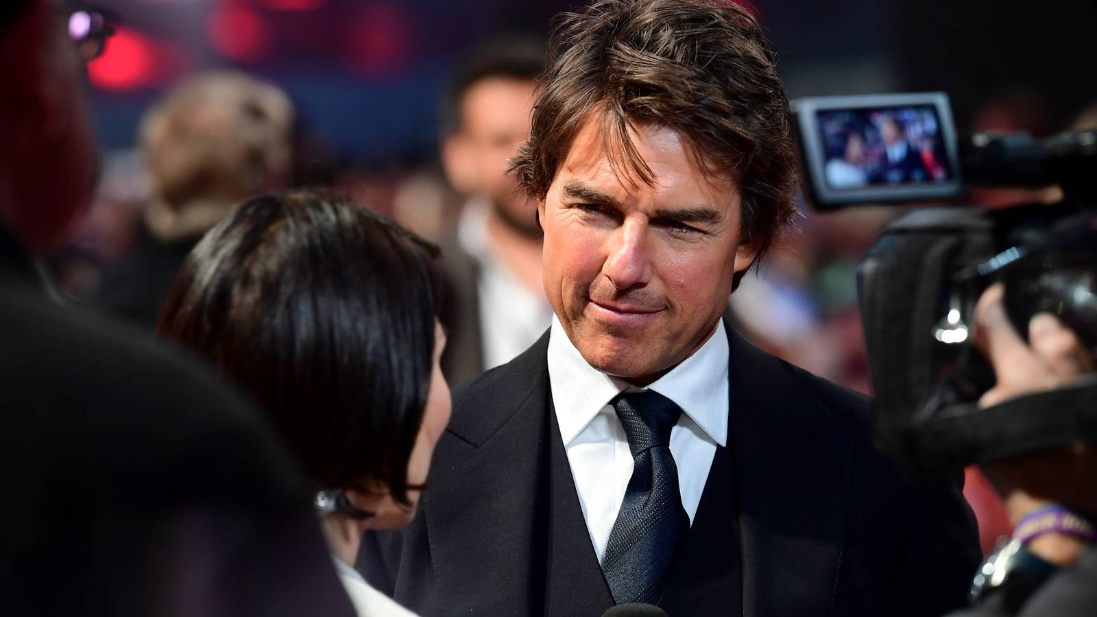 noticias de famosos tom cruise llora la muerte de su. Black Bedroom Furniture Sets. Home Design Ideas
