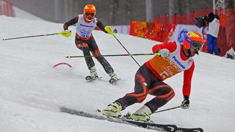 Perdido e inútil... qué se siente tratando de imitar al esquiador ciego Jon Santacana