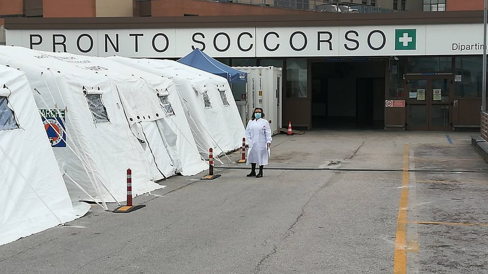 La española que dirige un hospital del coronavirus en Italia: Esto es apocalíptico