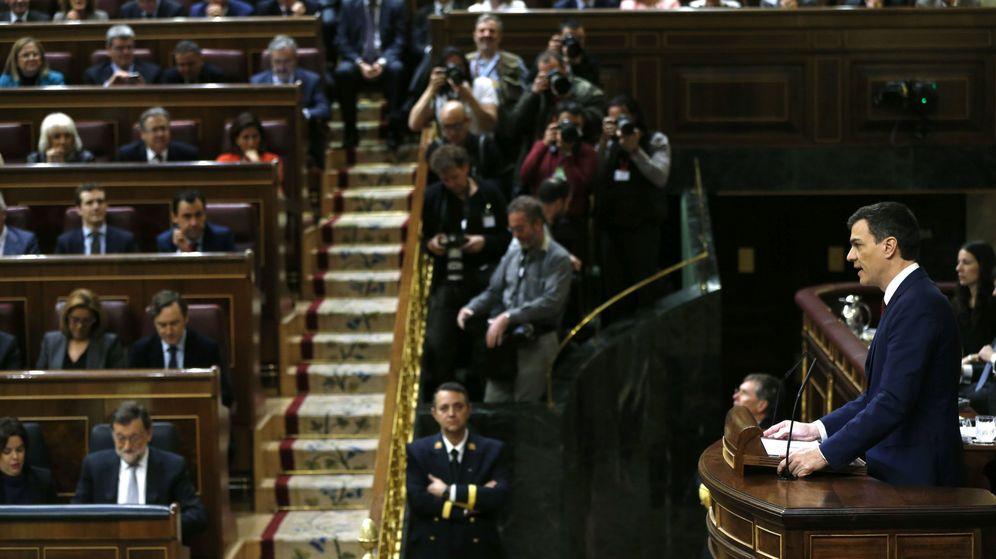 Foto: Pedro Sánchez, durante su réplica a Mariano Rajoy, este 2 de marzo en el Congreso. (EFE)