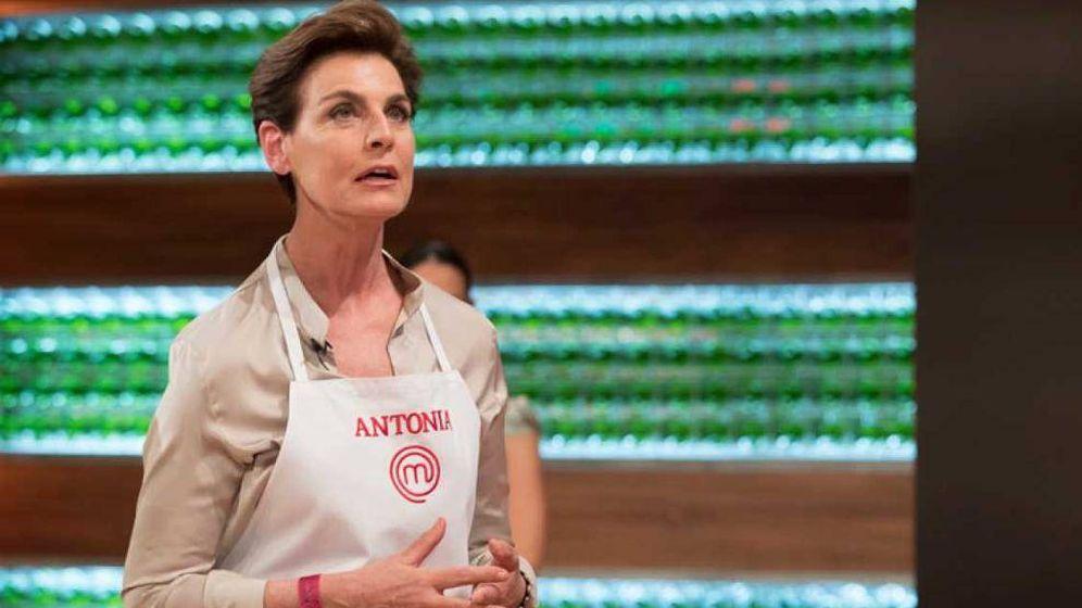 Foto: Antonia Dell'Atte llora en 'MasterChef Celebrity'. (TVE)