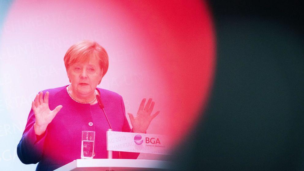 A la señora Merkel le queda un telediario. Y a la socialdemocracia alemana, menos