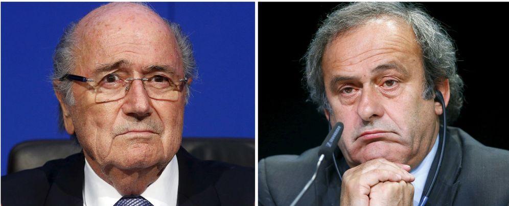 Foto: En la imagen, Josep Blatter y Michel Platini (Reuters)