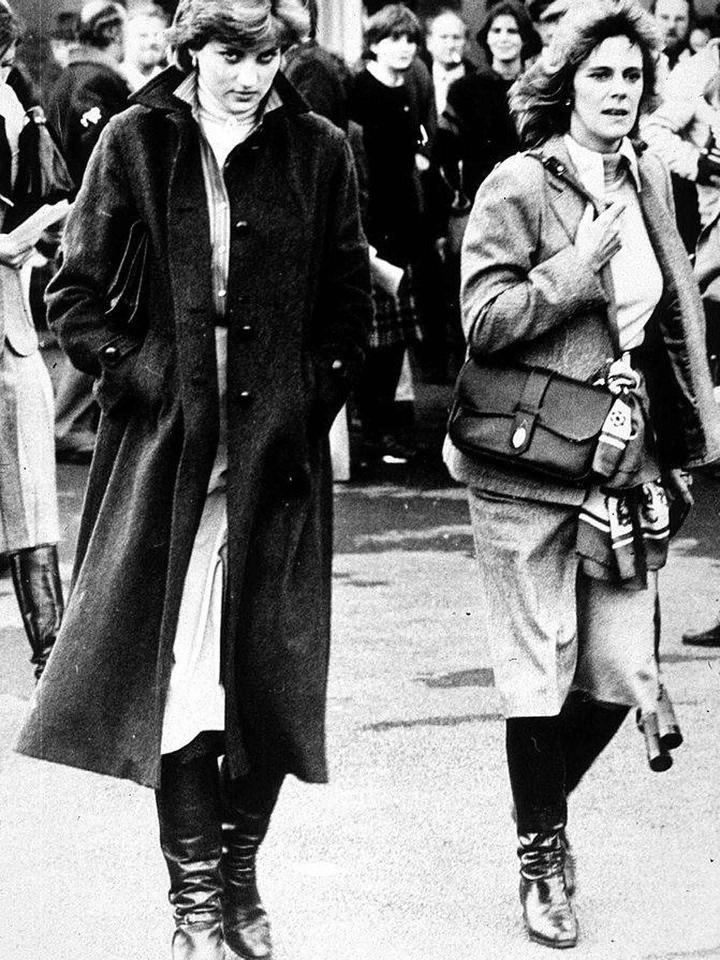 Diana y Camilla, en una imagen de 1980. (Getty)