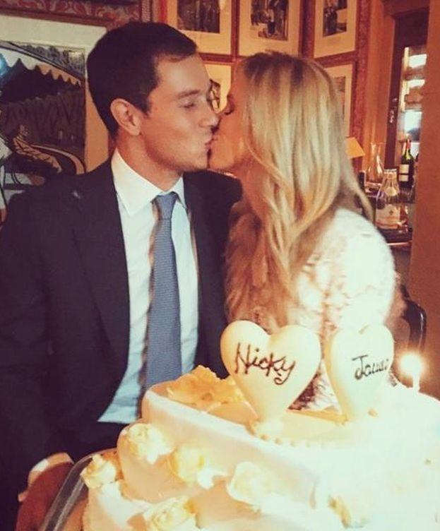 Foto: James y Nicky el día antes de su boda (Instagram)