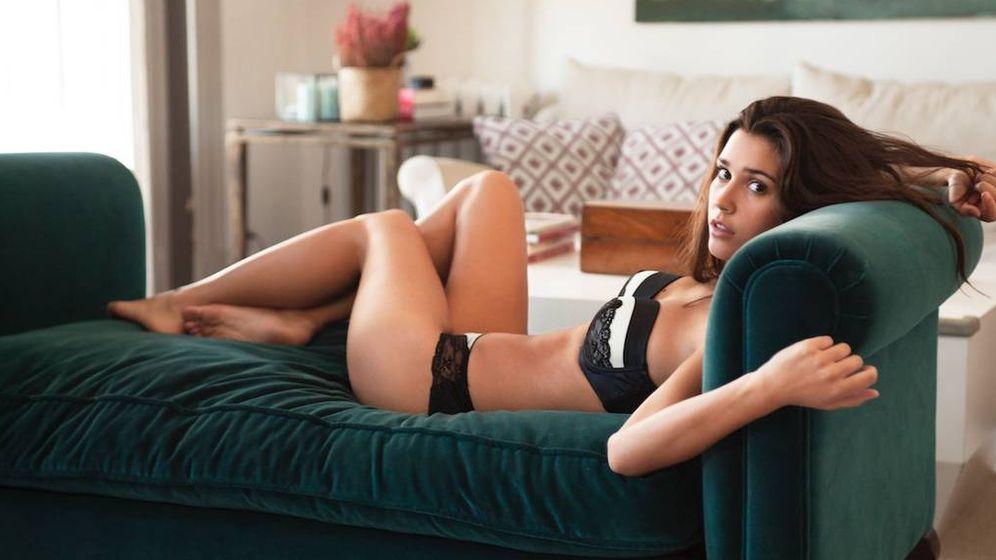 Foto: Antes de practicar sexting, nada como valorar tus fotos más sugerentes con alguna amiga. (Le Bratelier)