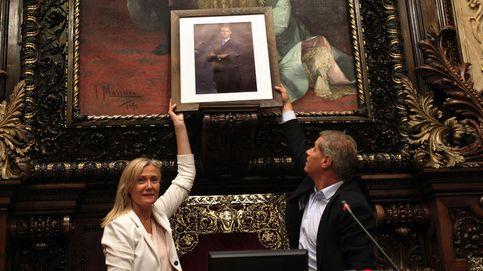 El PP cuelga una foto de Felipe VI donde estaba el busto del Rey Juan Carlos