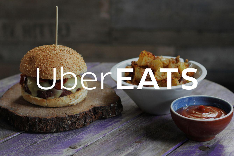 Foto: Uber se reinventa y cambia el transporte colaborativo por la comida a domicilio