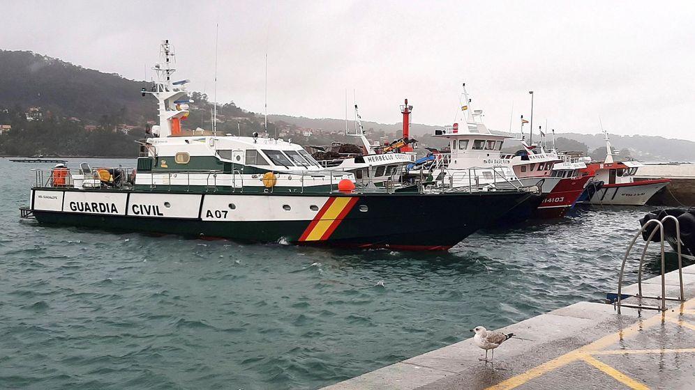 Foto: Vista general del puerto del Aldán, en el municipio pontevedrés de Cangas de Morrazo, en cuyo litoral la Guardia Civil ha interceptado un submarino cargado con unos 3.000 kilos de cocaína. (EFE)
