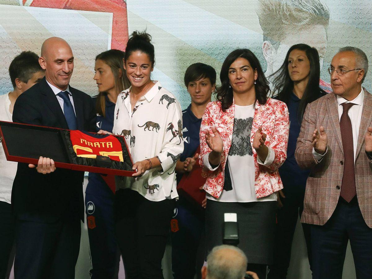 Foto: Luis Rubiales, en el homenaje de la RFEF a las futbolistas. (EFE)