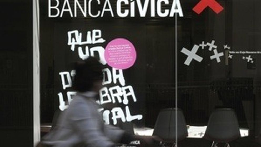 Velasco reabre por tercera vez el caso Banca Cívica para investigar a Caja Navarra