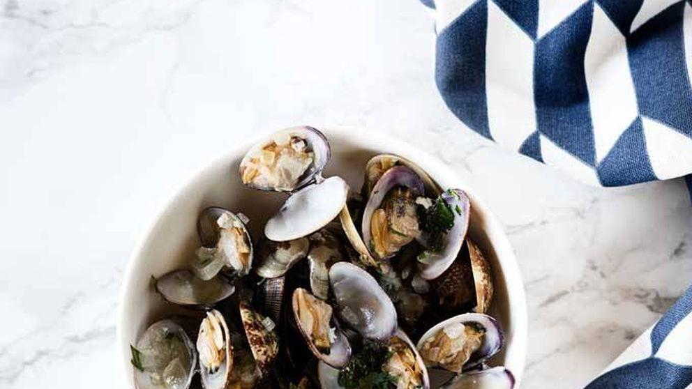 Una receta clásica de nuestra gastronomía: almejas a la marinera
