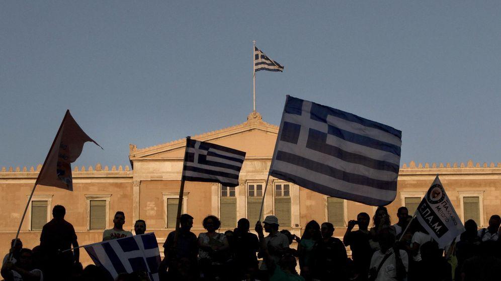 Foto: Manifestación frente al Parlamento griego. (Reuters)