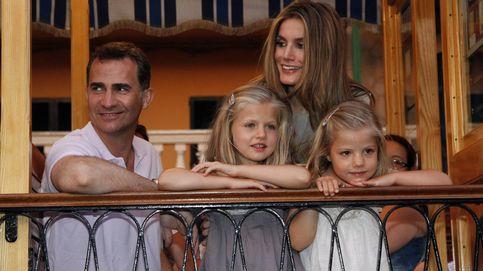 Los posados de Felipe y Letizia y sus hijas en Mallorca: así han cambiado con los años