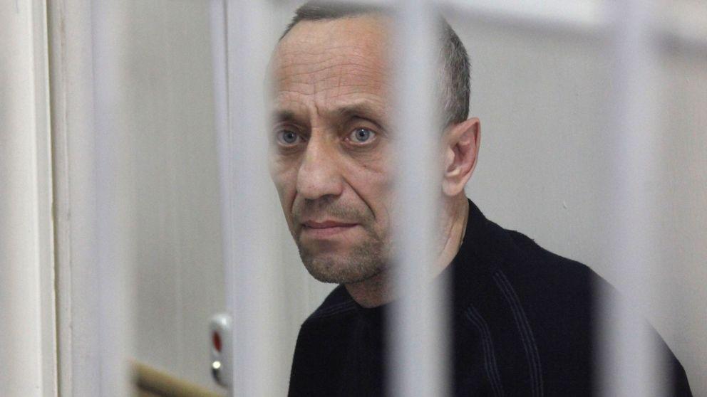 Cómo un policía se convirtió en el asesino en serie más prolífico de Rusia
