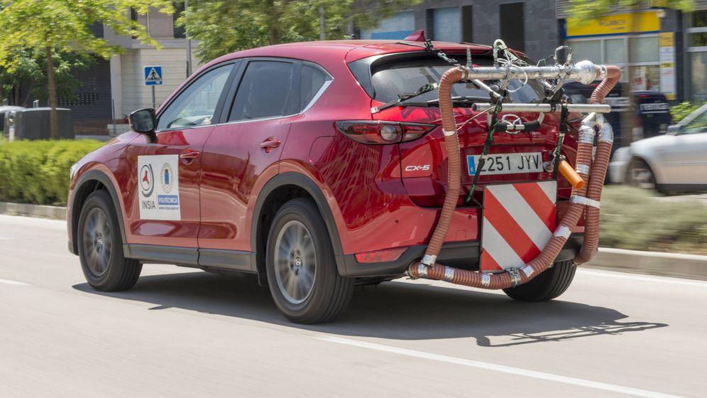 Foto: Los fabricantes hacen intensas pruebas para comprobar las emisiones de sus vehículos, como Mazda con su CX5.