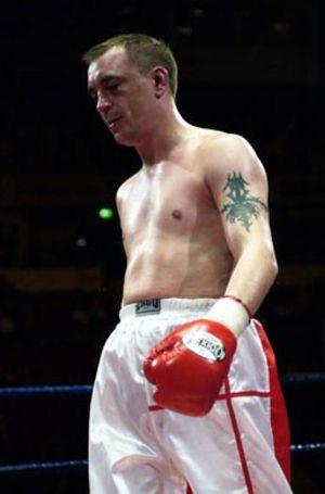 El peor boxeador del mundo cuelga los guantes