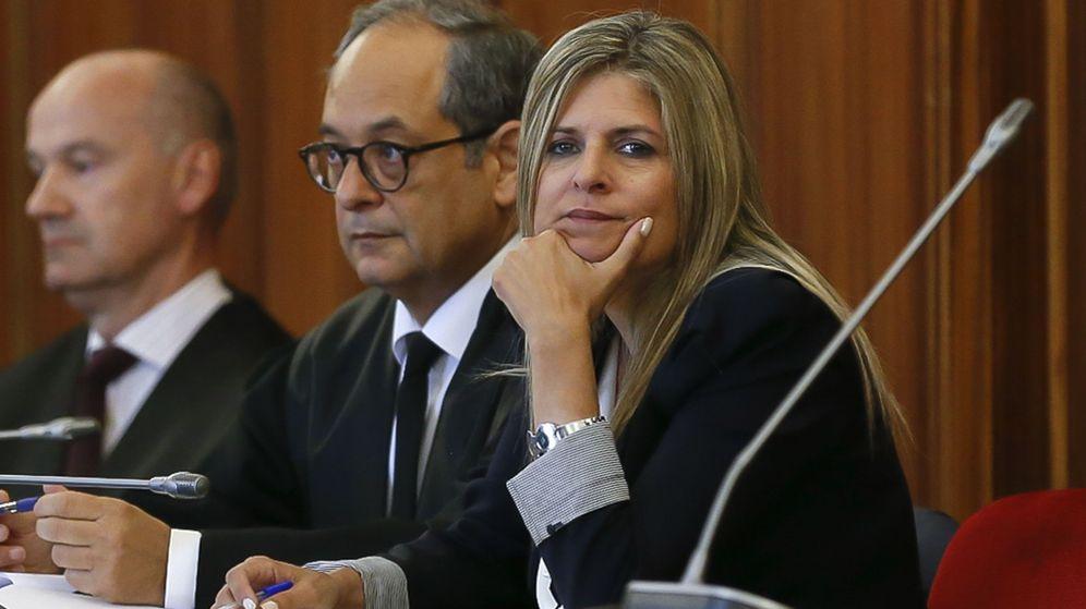 Foto: Ana Hermoso, exalcaldesa de Bormujos, en la Audiencia de Sevilla. (EFE)