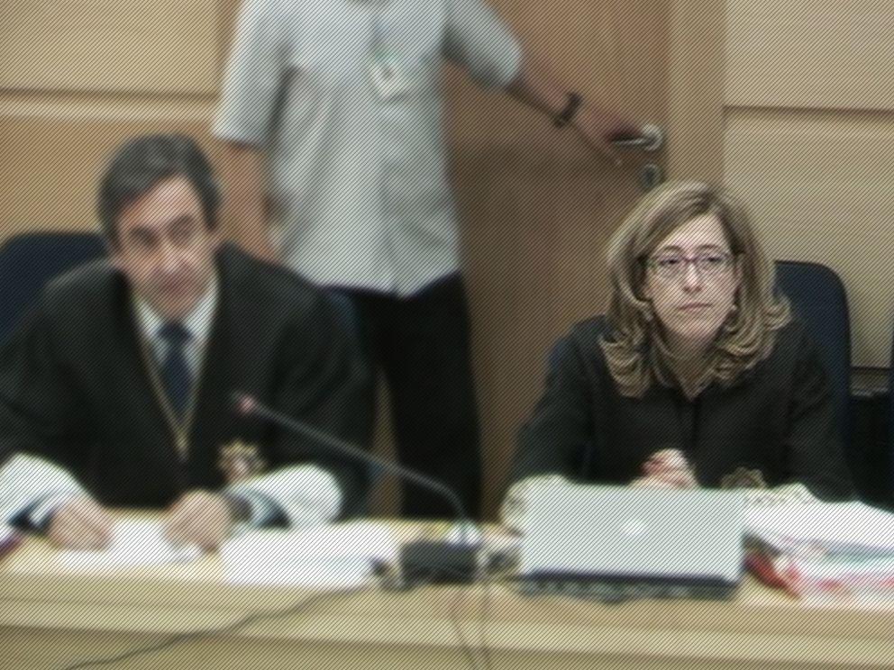 Foto: Olga Sánchez, la sombra del juez Del Olmo, de retiro dorado en el Supremo