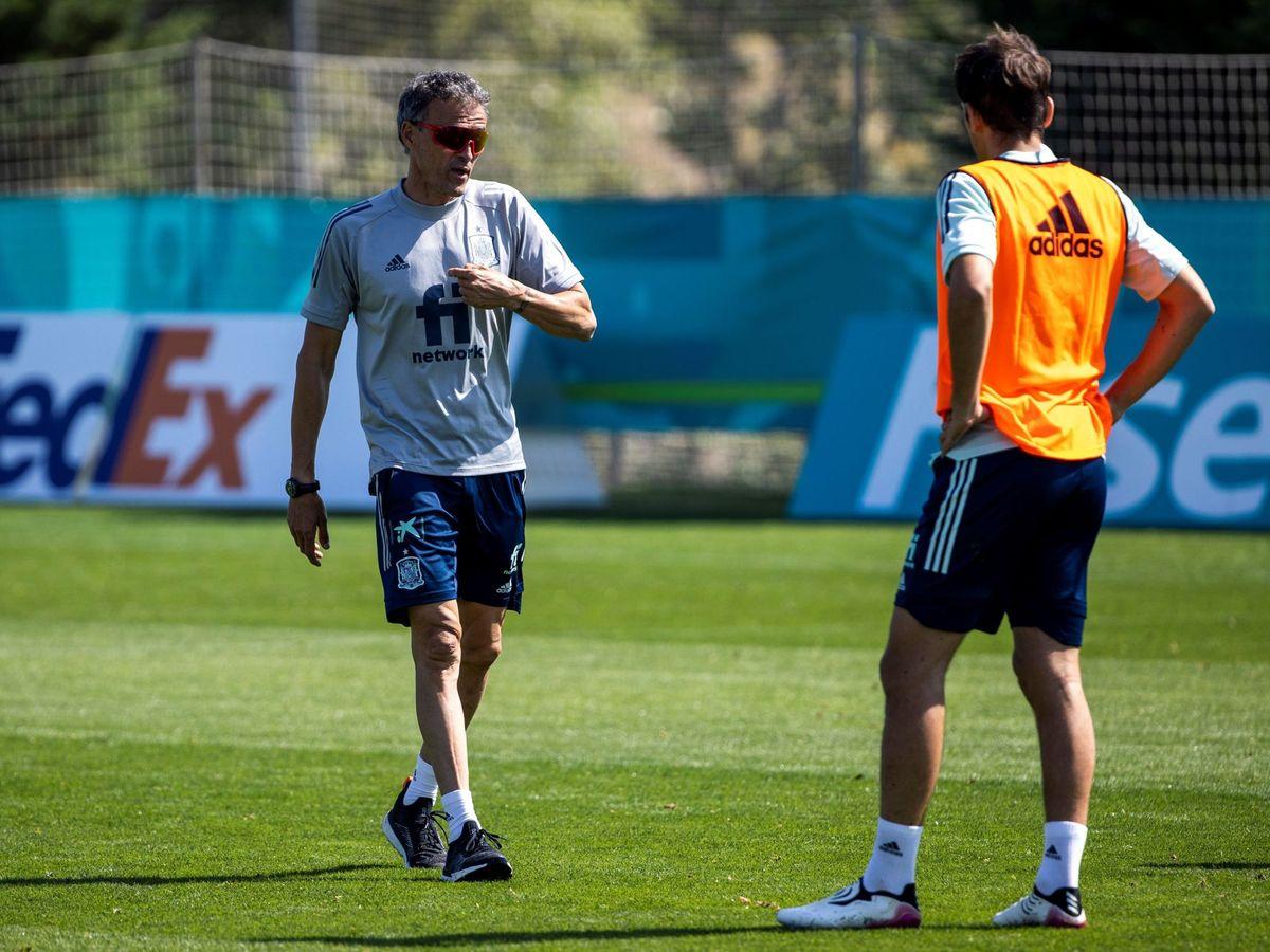 Zdjęcie: Luis Enrique, w równoległym treningu bubble.  (EFE)