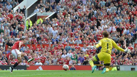 El Manchester United vuelve a demostrar que le falta un '9' de élite y pincha en casa