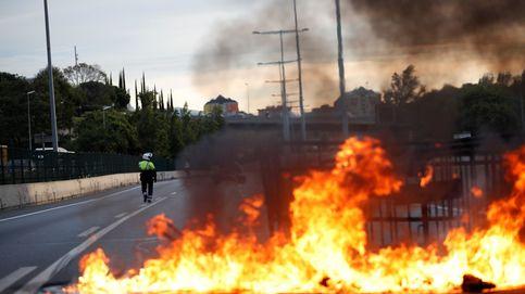 Última hora de la huelga en Cataluña, en directo | Cargas tras el acoso a la Policía