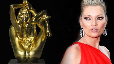 104.000 euros por la escultura de oro sexualmente más explícita de Kate Moss