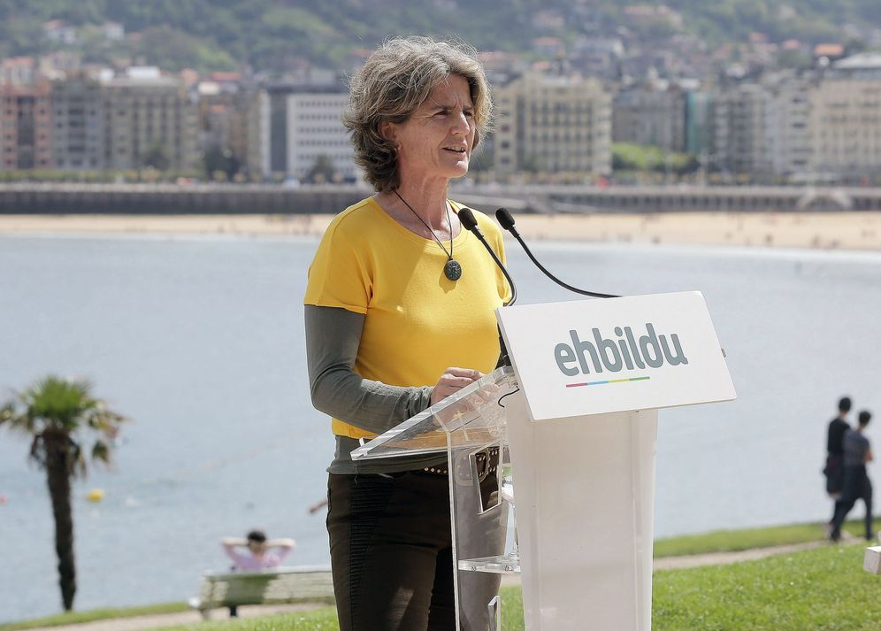 Foto: Reyes Carrere en un acto electoral en San Sebastián. (EFE)