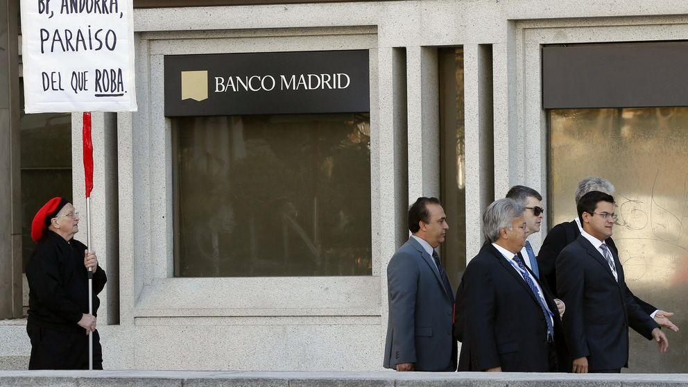 Los empleados de Banco Madrid  estrechan el cerco a Economía y BdE