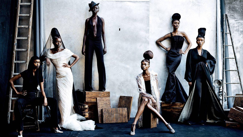 Foto: Kadra Ahmed Omar, Kiara Kabukuru, Alek Wek, Debra Shaw Margareth Lahoussaye y Adia Coulibaly, para Vogue Italia (París, 1997).