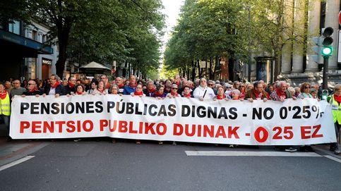 Más de 10.000 jubilados españoles claman para meter las pensiones en la campaña