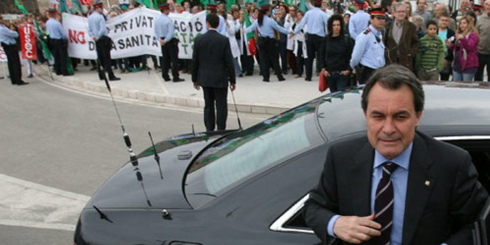 PP cierra un pacto económico con CiU y presiona para racionalizar gastos en la Generalitat