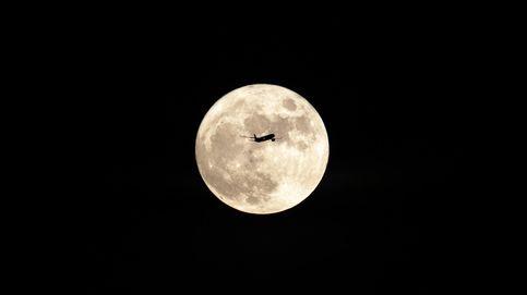 La luna azul se levanta en China e incendio en California: el día en fotos