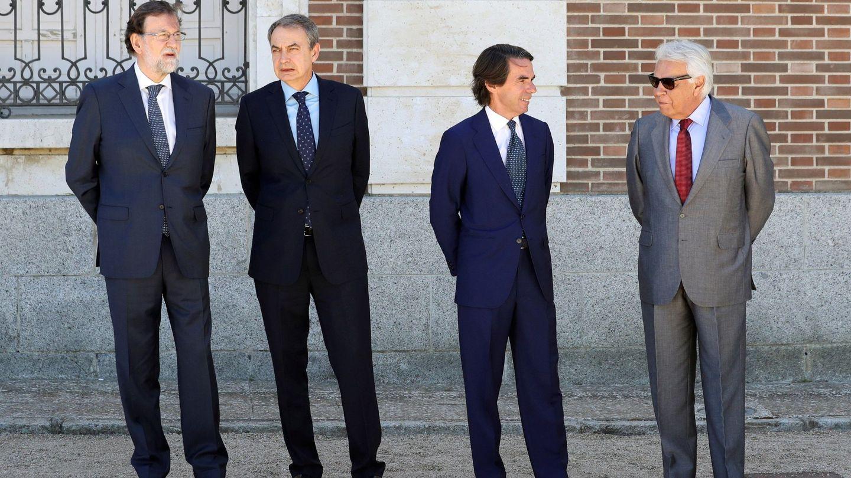 Los expresidentes del Gobierno, Mariano Rajoy, José Luis Rodríguez Zapatero, José María Aznar y Felipe González. (EFE)